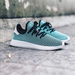 NWT Adidas Blue Parley x Deerupt Runner Core Black